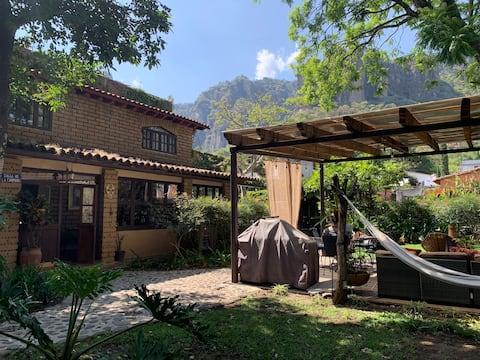 La casita de Marta  Belleza dentro del pueblo