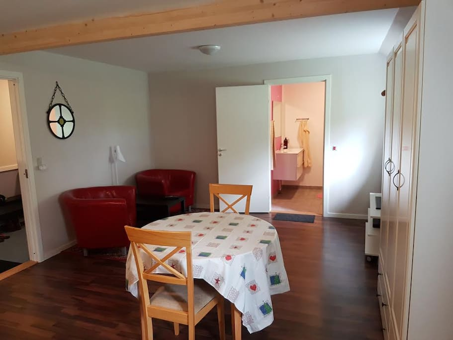 Large Double room H1