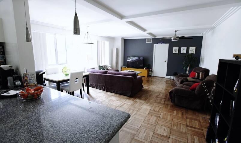 Private 1 bedroom + 1 bathroom apartment in LA!