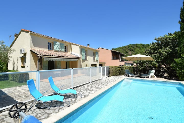 Charming house with private swimming pool in La Tour-sur-Orb, France