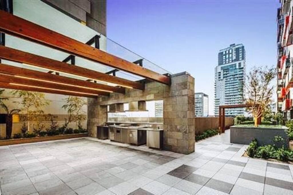 Sky garden & Bbq area on 6th floor.
