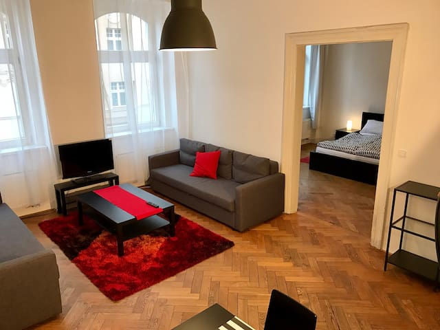 Spacious Apartment 104m2 - Close to Prag Old Town - Praha - Apartemen