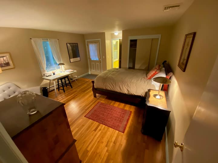 Private Room and Bath, Separate Entrance