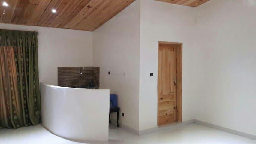 Studio climatisé avec entrée privée - Dakar - Apartamento