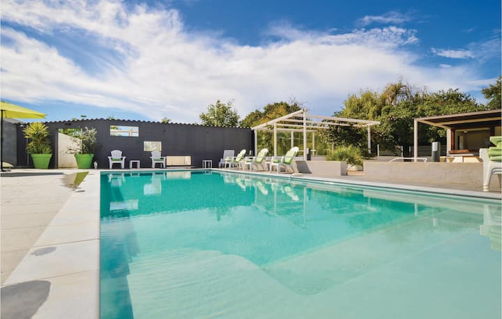 Nice home in Ghisonaccia with WiFi, 2 Bedrooms and Outdoor swimming pool