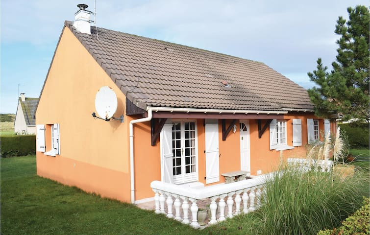 Holiday cottage with 3 bedrooms on 85 m² in Creances