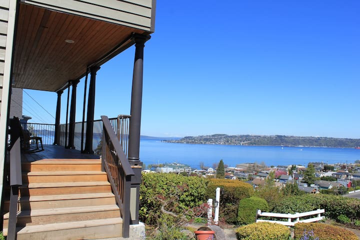 Sleeps 11  Tacoma, Best neighborhood, Best views!