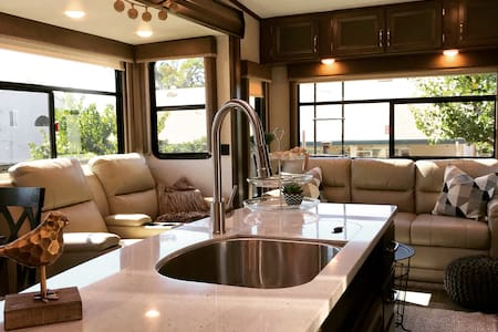 Lux-Living In Paso Robles Wine Country