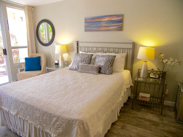 NEWLY REMODELED CHARMING STUDIO