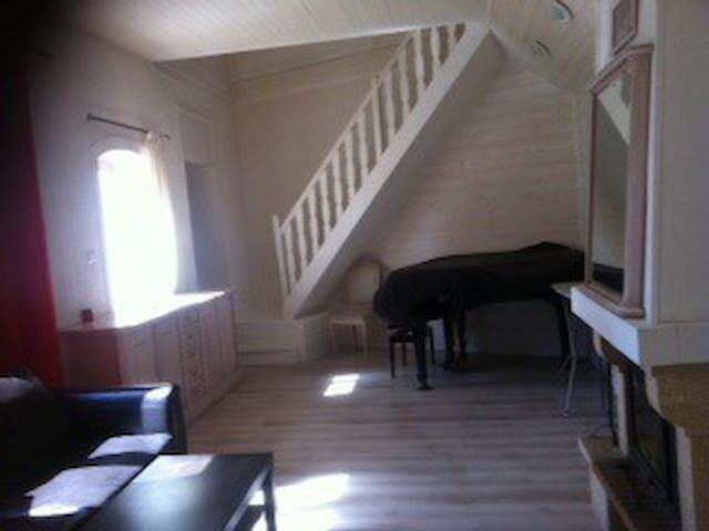 Maison Oyonnax avec jardin - Oyonnax - House