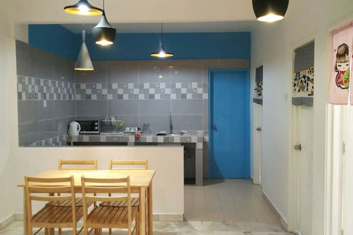 Cosy Space in Persiaran Kinrara 3, Puchong