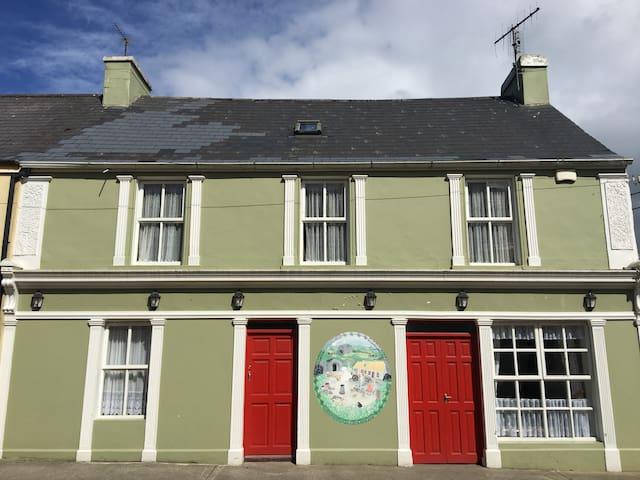 The Corner House Knocknagoshel Village
