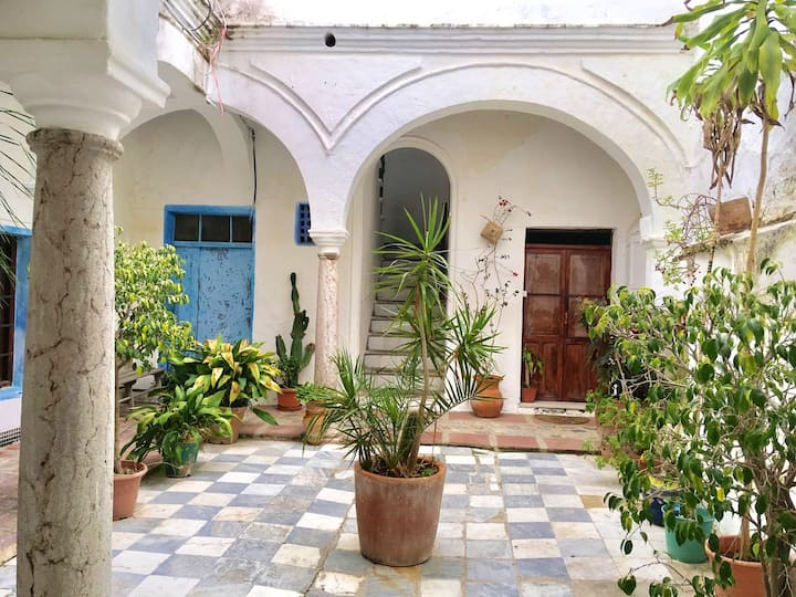 House with 3 bedrooms in Tarifa, with wonderful city view, furnished terrace and WiFi - 500 m from the beach