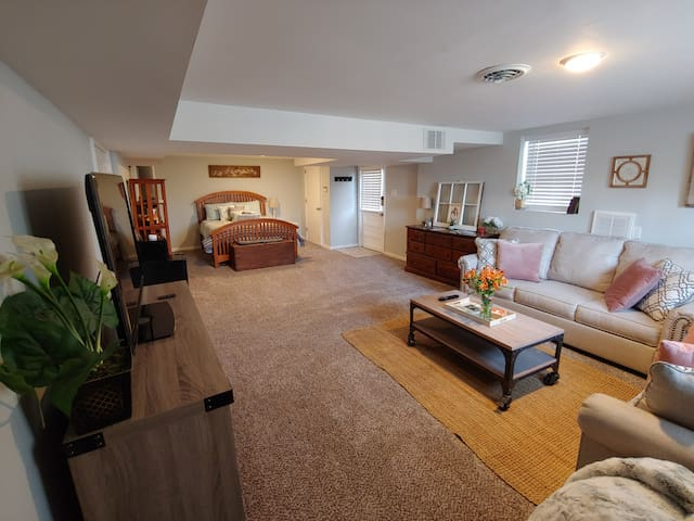 Cute studio space! Private, 5 miles to DT and UT
