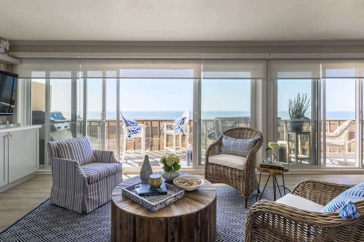 Brand new, Ocean Views 2 BD: Beach, Pool w Parking