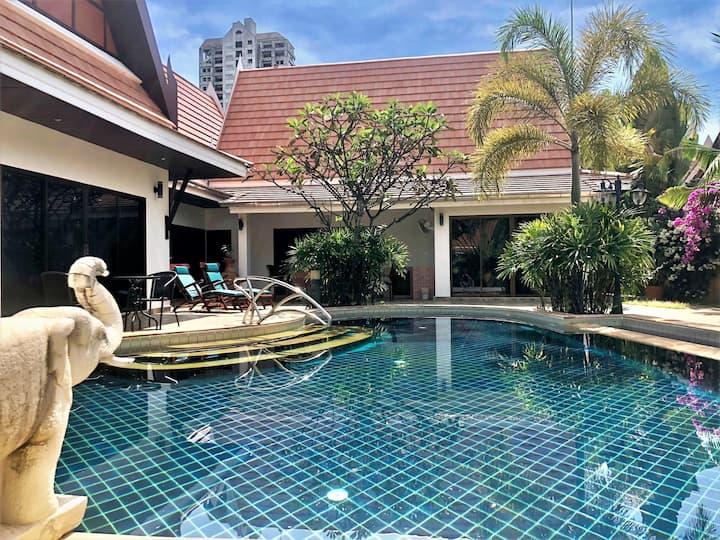 Spektakular Villa med Privat Pool