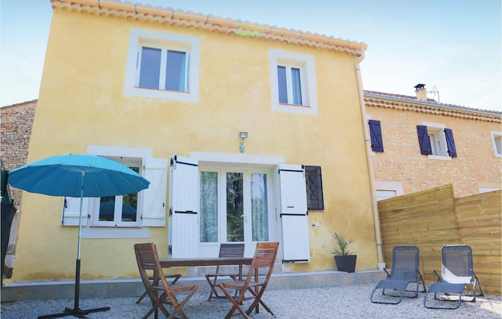 Stunning home in Vaison Sablet with 2 Bedrooms and WiFi
