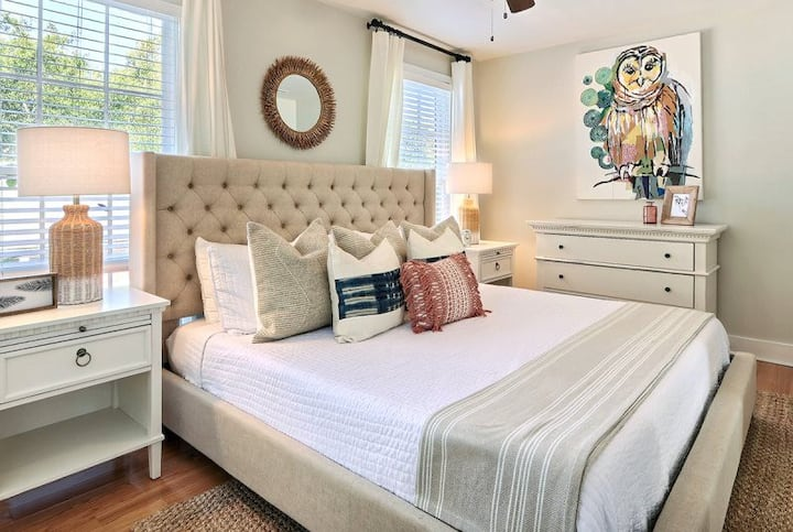 Gallery Stays - Spartina - A Luxury King Suite