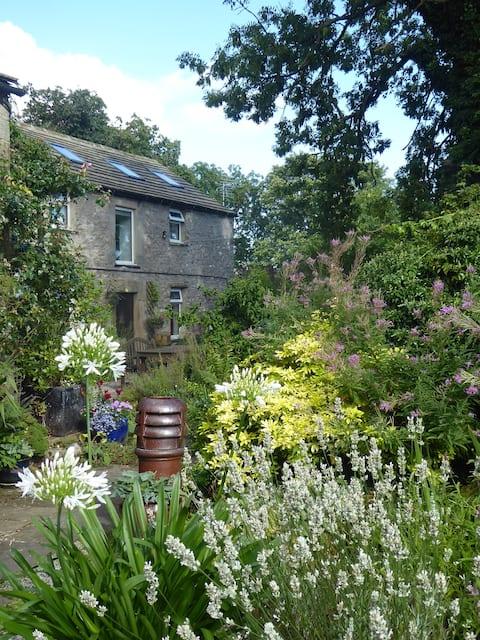 Old Star Cottage -a  Dales hidden gem