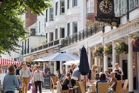Unforgettable Historic  Royal Tunbridge Wells