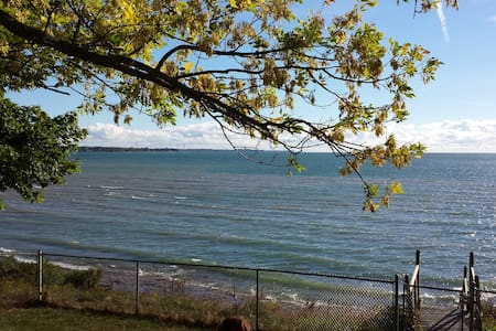 "Lake Erie ""Enchanted"" - Selkirk"