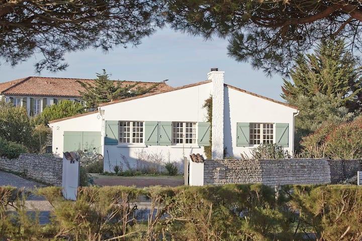 Seaside detached house, own garden