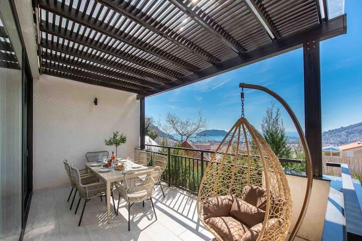 Villa near the sea in Budva