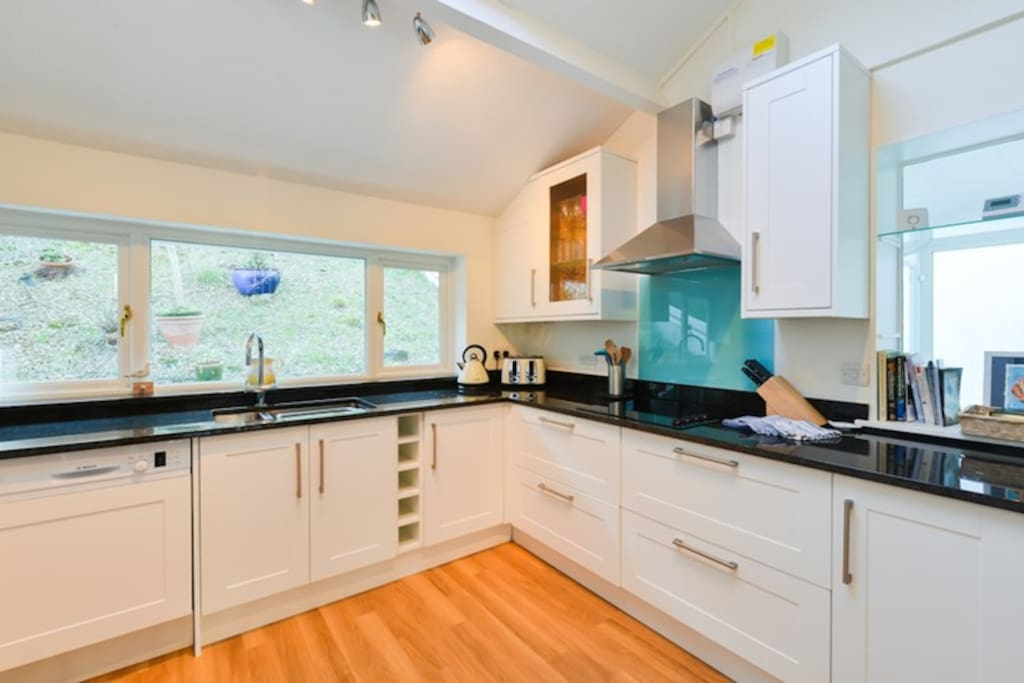 The fully fitted modern kitchen, exceptionally well equipped.