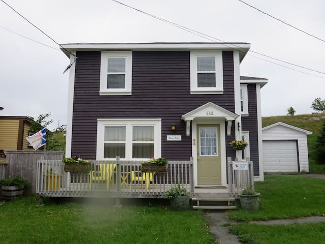 Bonnie Brae-Heritage Vacation Home - Bay Roberts