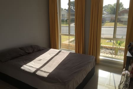 A single room is available in Aldinga Beach - Aldinga Beach - Rumah