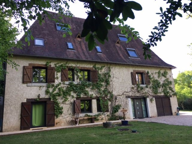 "House ""Les Vignes"" ideally located"