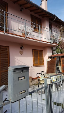 Accogliente,ampia villetta nel cuore della Toscana - Prunetta - บ้าน