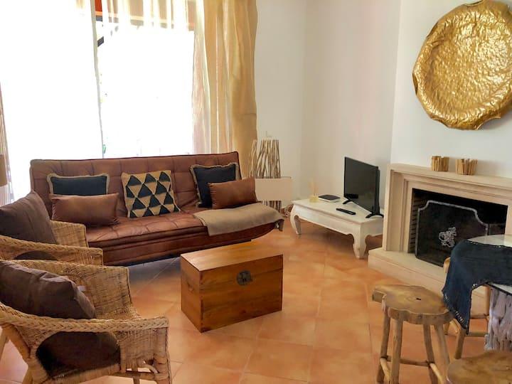 Charmy Apartment with a garden near golf and beach