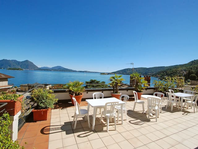 1-Room Apartment 25 m² for 2 Persons in Baveno