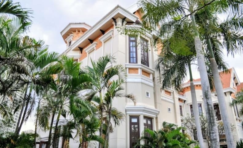 Villa 5brs -private pool- district2 -HoChiMinh
