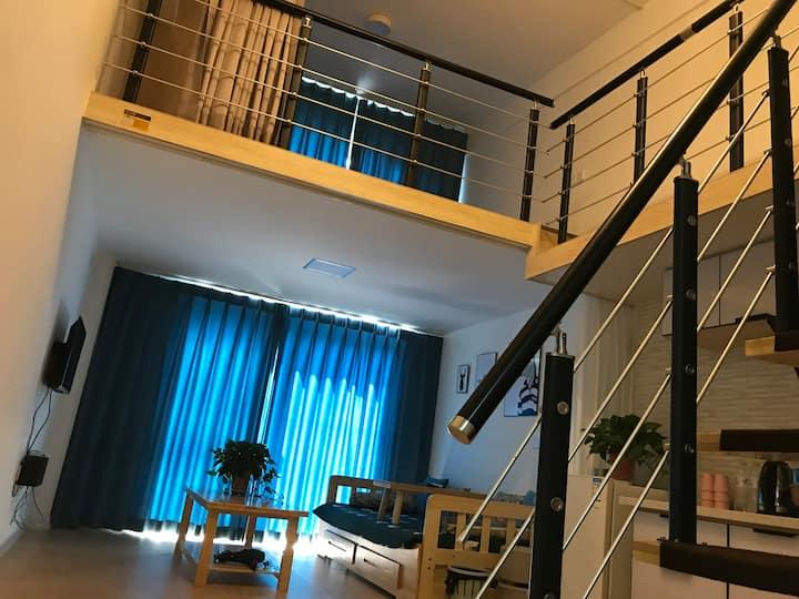 蓬莱阁海水浴场旁临海复式loft民宿公寓7