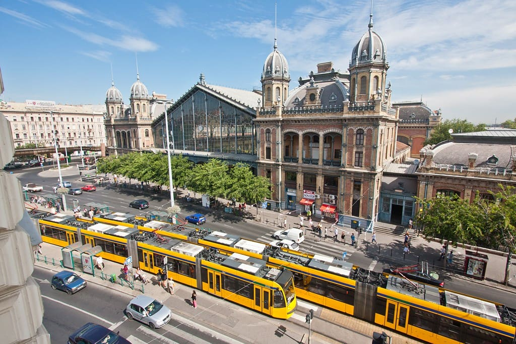 We are 100m away from tramline 4-6 (the most touristy tramline in Budapest, running 24h), 400m away from the Eastern Railway Station (Nyugatipalyaudvar), which is very convenient for travelers coming from here.