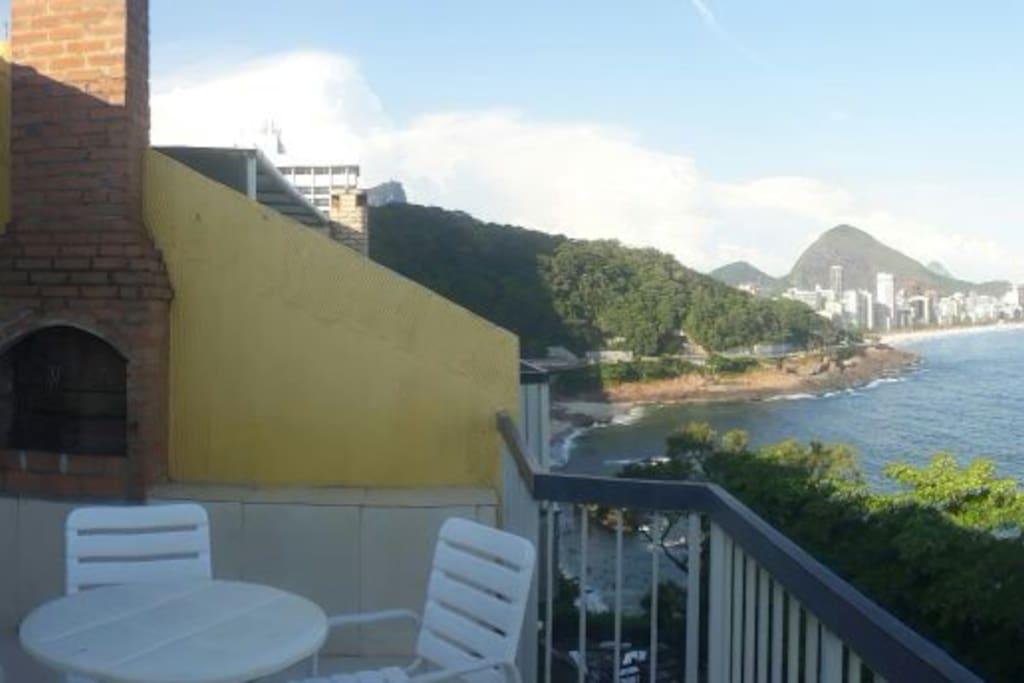 Varanda: Churrasqueira, vista Cristo, mar, Praia