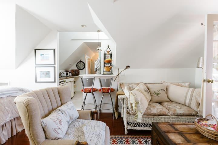 Le Bijou at Toujours Maison