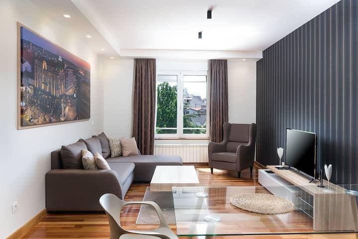 ApartHotel FeelBelgrade - 2 bedroom with terrace