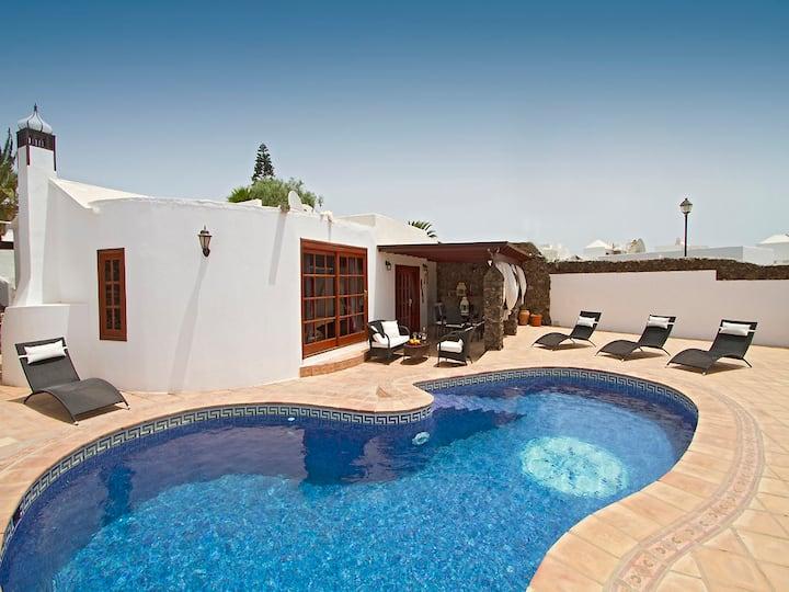 Exklusive Villa mit Pool in Puerto del Carmen