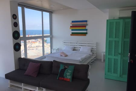 Panoramic Rooftop Loft with Terrace - Mar Mikhael - Çatı Katı