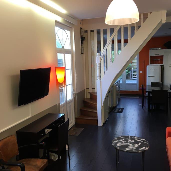 Salon et accès chambres