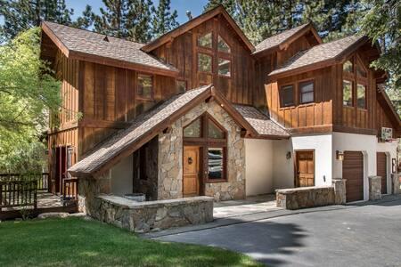 Cabin-esque Tahoe House - Tahoe City