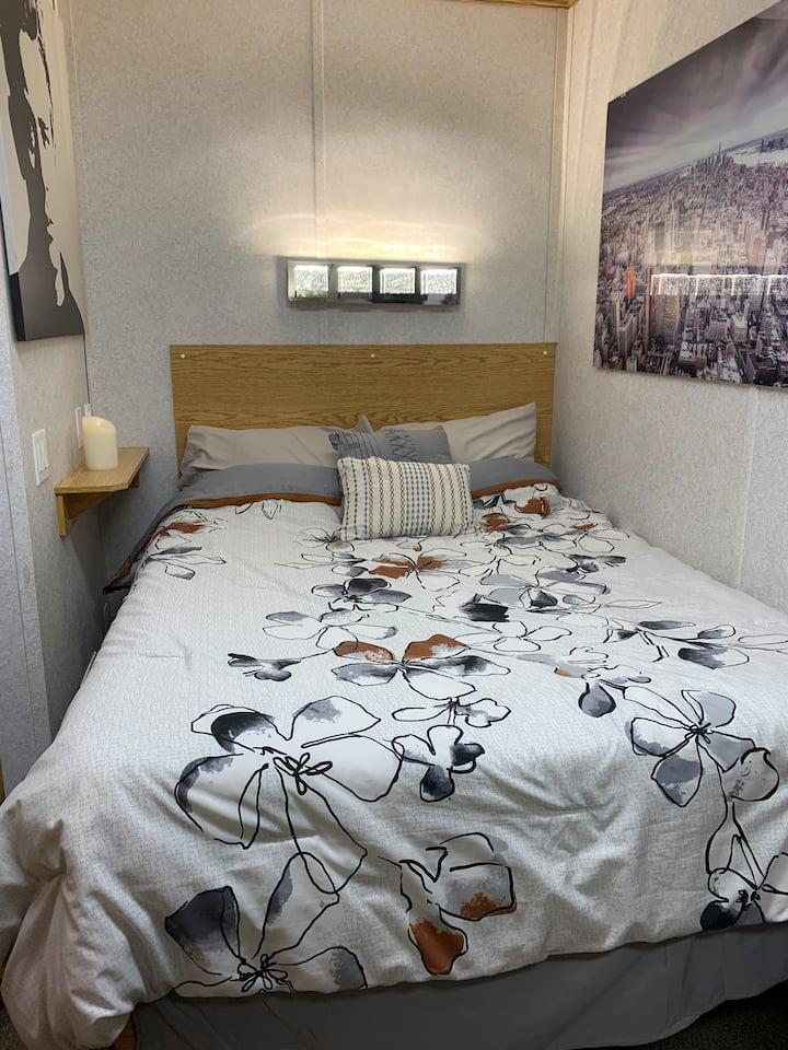 1800A - 1 bedroom / 1 bath quiet unit