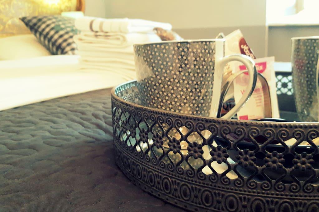 Plateau de courtoisie avec thé, café, tisane.