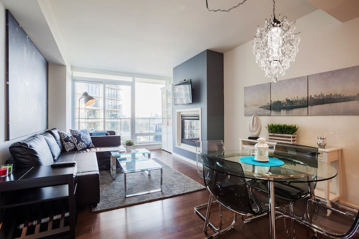 Luxury in the Heart of Downtown