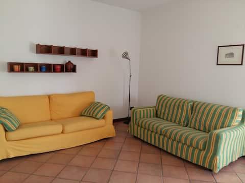 Home5: apartament confortabil și luminos