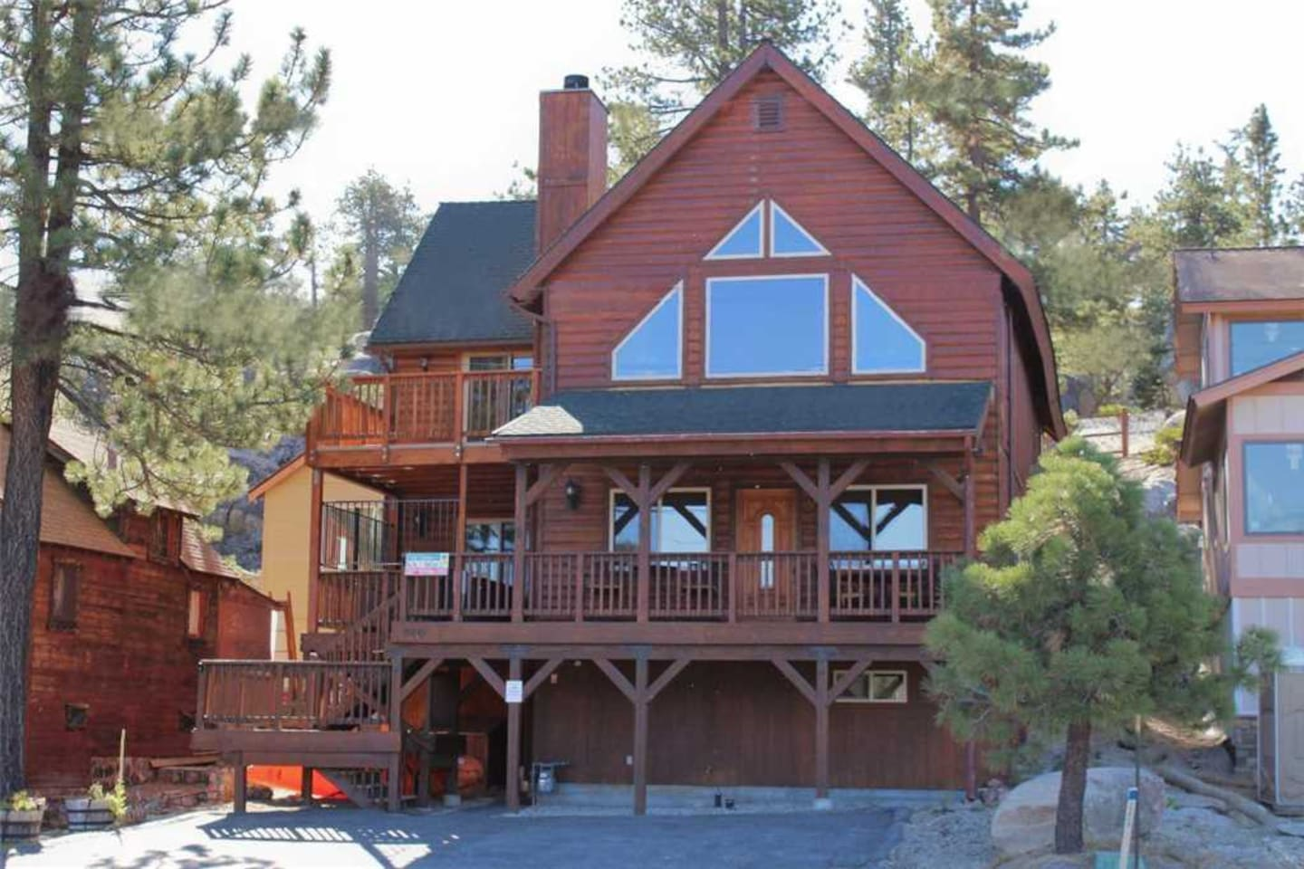 Big Bear Cool Cabins, Boulder Bay Park View Front, Perfect Summer Weather