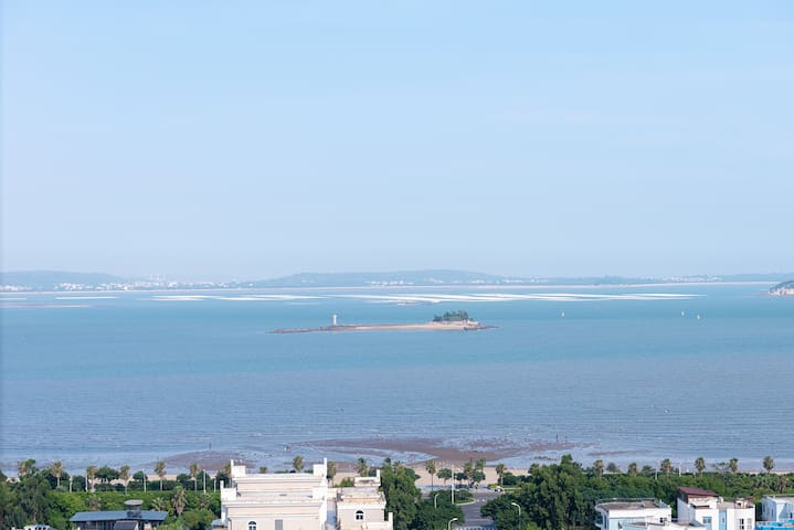 厦门环岛路会展中心海边海景三房房间直视金门岛 高层看海步行到沙滩靠近各大景点